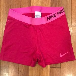 Pink nike PRO snorts